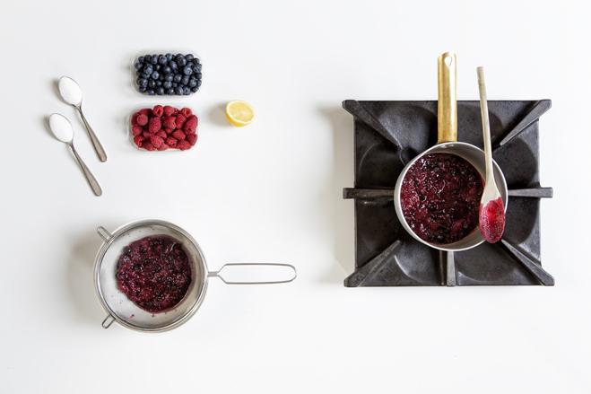 cuoci la frutta e scola i liquidi