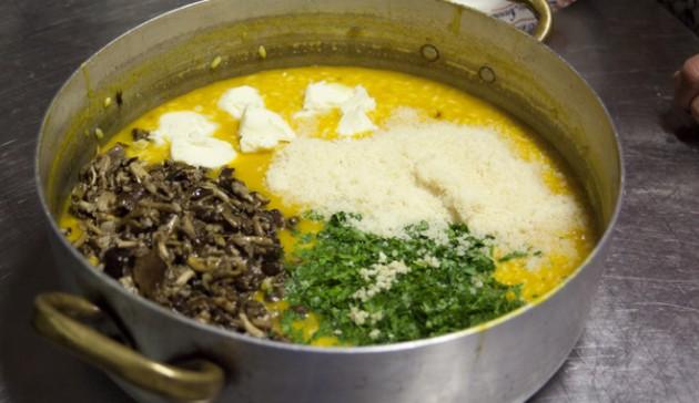 aggiungi funghi burro parmigiano e prezzemolo