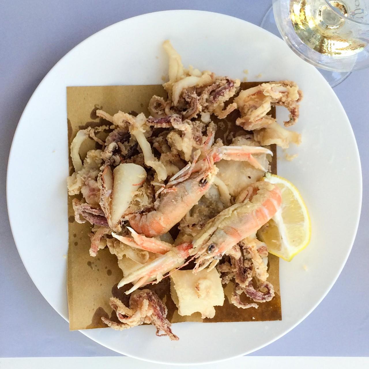 fritto misto di scampi e calamari