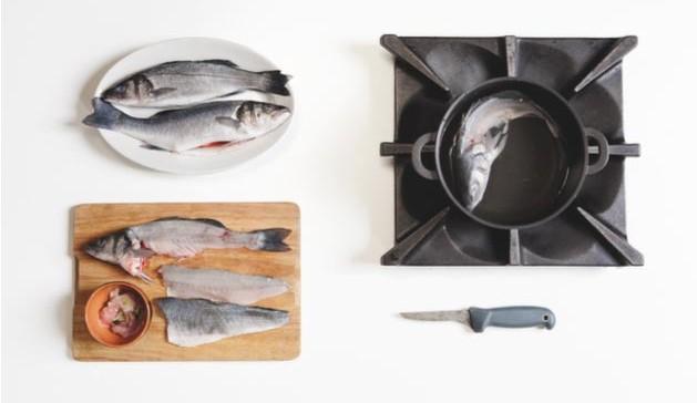 filetti di pesce e prepara il fumetto