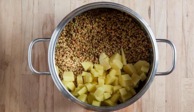 aggiungo lenticchie e patate